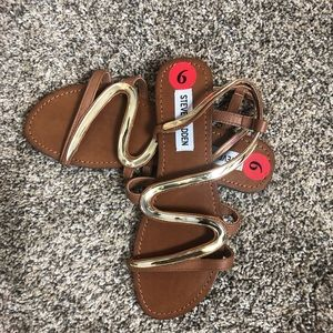 Steve Madden| Gold and brown Sandals size 6